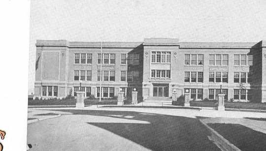 Black and white photograph of a High School designed by Bert Keck, ca. 1920.