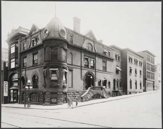The Minnesota Club at Fourth and Cedar Streets, St. Paul, ca. 1914.