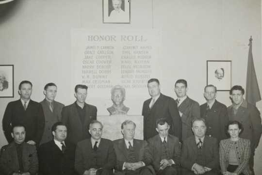 Black and white photograph of Socialist Workers Party members, ca.1941.