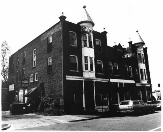 : The Jackson Hotel (214 Jackson Street, Anoka), 1978. Photograph by Robert Kirchner.
