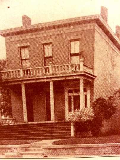 Black and white photograph of the first Jewish Home for the Aged building at 75 Wilkin Street, c.1908.