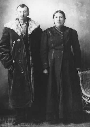 Picture of Joseph Jesse Chase and Martha (Wakute-Wapaha) Chase