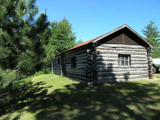 Keeper's cabin at Kettle Falls Dam