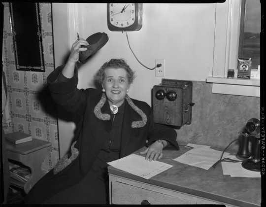 Photograph of Coya Knutson, 1954