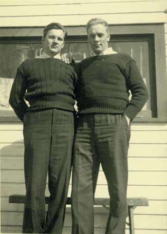 Ilmar Koivunen (right) with Ernest Tomberg.