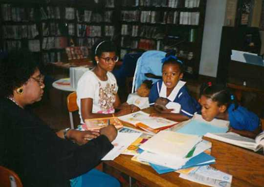 Summer reading program at Hosmer Library, Minneapolis, 1990.