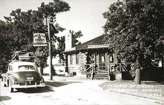 Black and white photgraph of the Paul Bunyan House, Bemidji