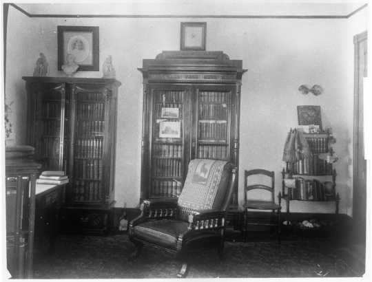 Comstock House study