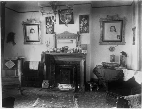 Comstock House reception room