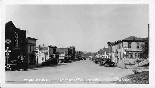 Black and white photograph of Zumbrota's Main Street, c.1925.