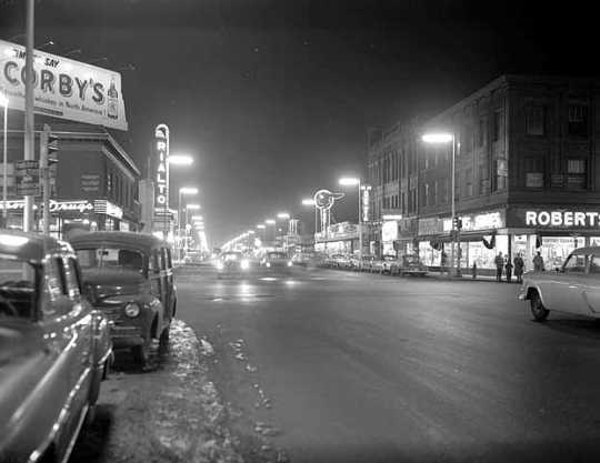 Black and white photograph of the intersection of Chicago Avenue and Lake Street, Minneapolis, 1956.