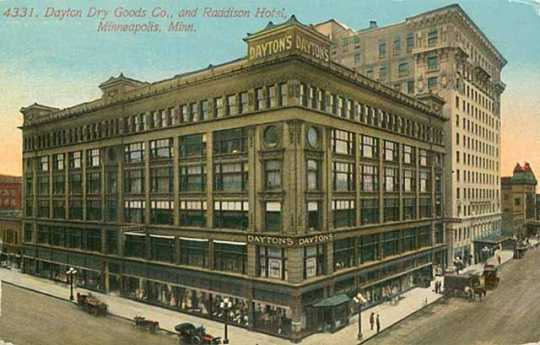 Colorized postcard image of downtown store at 700 Nicollet Ave., 1912.