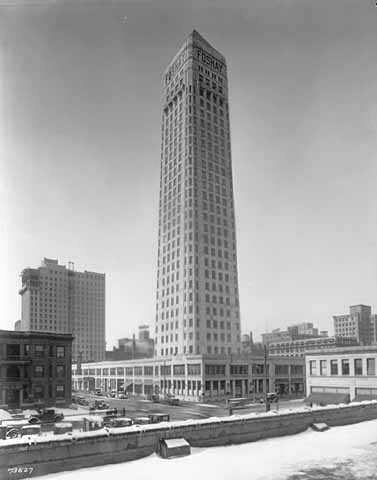 Black and white photograph of Foshay Tower, 821 S. Marquette Avenue, Minneapolis, 1928–1929.