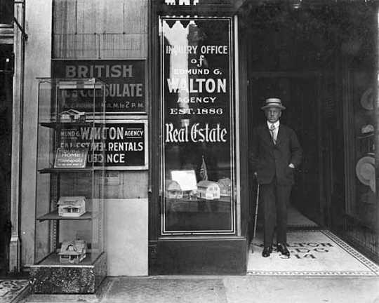 The exterior of the Edmund G. Walton Real Estate Agency at 314 Nicollet Avenue, Minneapolis, ca. 1916.