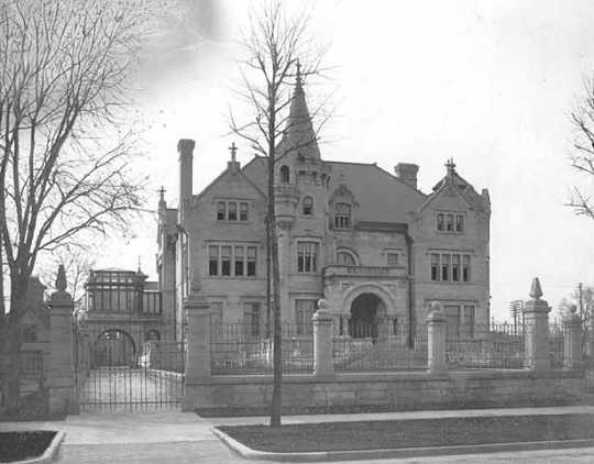Black and white photograph of the home of Swan Turnblad and his family (2600 Park Avenue, Minneapolis) ca. 1907.