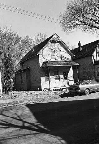 Black and white photograph of 2107 Milwaukee Avenue, 1976.