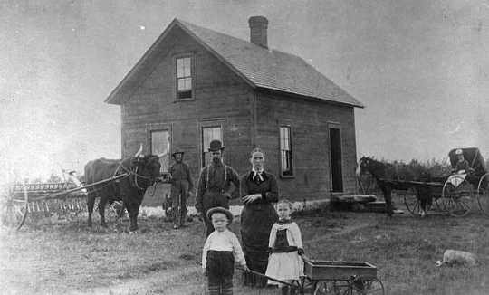Photograph of the Ellefson homestead