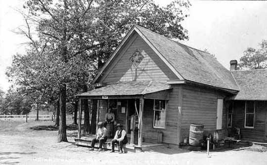 Mille Lacs Indian Trading Post, 1920