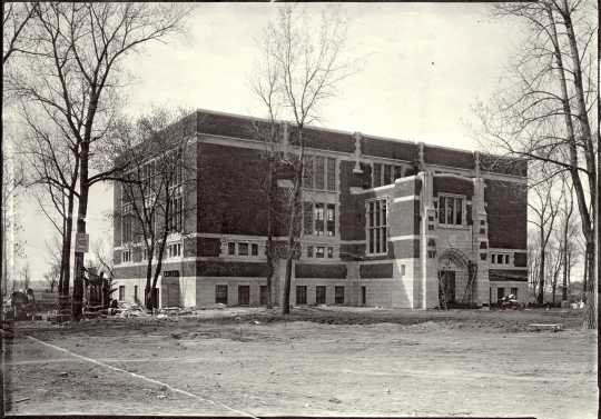 Black and white photograph of a new gymnasium at Gustavus Adolphus College, St. Peter, 1922.