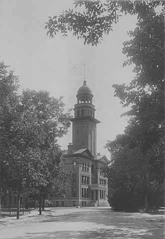 Black and white photograph of the Administration Building of the Rochester State Hospital, c.1930.