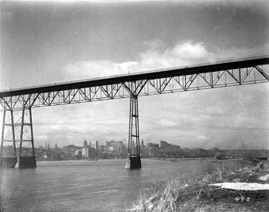 Black and white negative of High bridge c.1917–1926.
