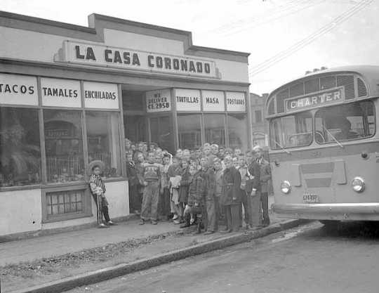 Black and white photograph of students at Casa Coronado Restaurant, 154 E. Fairfield, 1947.