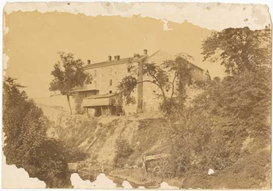 Photograph of Theodore Hamm Brewing Company, 681 East Minnehaha Avenue, St. Paul, 1880.