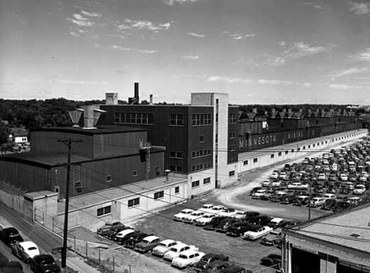 St. Paul Abrasives plant, ca. 1955. Located on a large complex in St. Paul, the plant was one section of 3M's global manufacturing headquarters.
