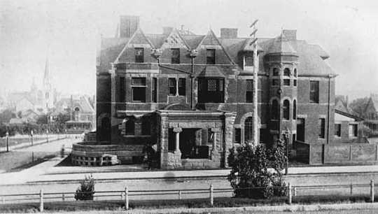 Black and white photograph of the Thomas L. Blood residence at 667 Central Park West in St. Paul, c.1888. Its view faces south.