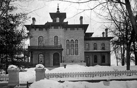 Black and white photograph of the exterior of the Burbank-Griggs house, 432 Summit, St. Paul, c.1880. Photographed by T.W. Ingersoll.