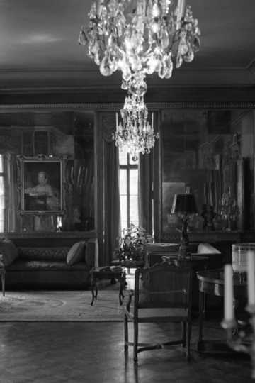 Black and white photograph of the  Mirror Room, Burbank-Livingston-Griggs house, 432 Summit Avenue, St. Paul, c. 1972.