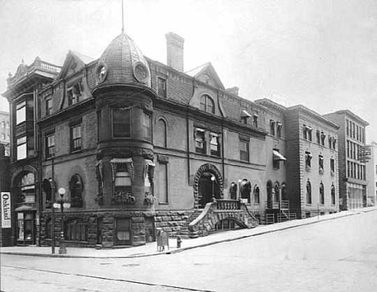 Black and white photograph of the Minnesota Club at Fourth and Cedar Streets, St. Paul, c.1914.