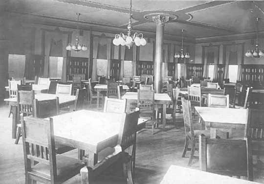 Black and white photograph of the interior of the Commercial Club gathering space, Commerce Building, 1912.