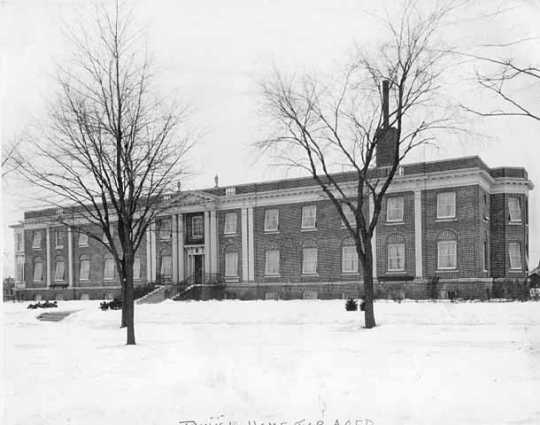 Black and white photograph of the exterior of the Jewish Home for the Aged in St. Paul, c.1925.