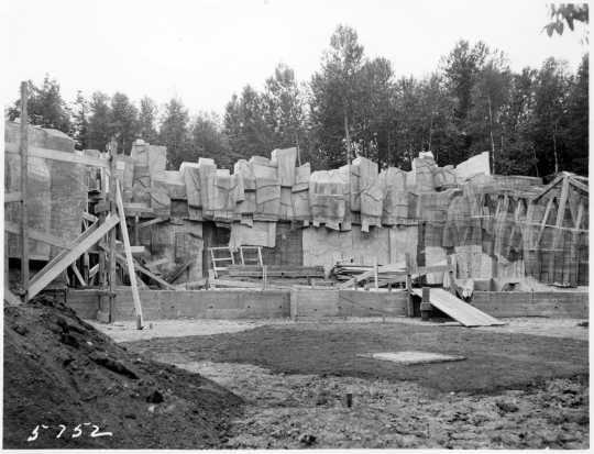 Photograph of the bear den at the Duluth Zoo, ca. 1940.