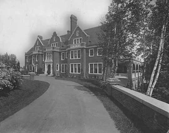 Black and white photograph of Glensheen, c.1930. Clarence Johnston designed the mansion in 1905.