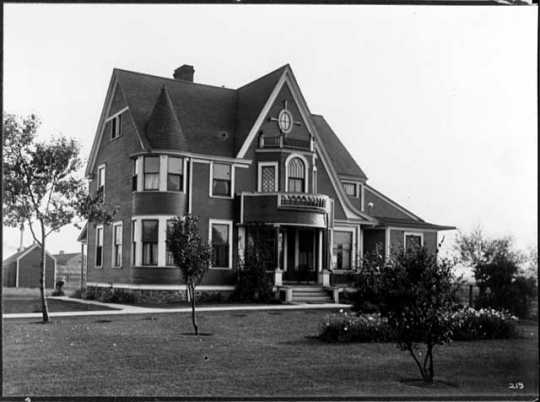 Home of the General Superintendent of the Oliver Mining Company in Hibbing, ca. 1913.