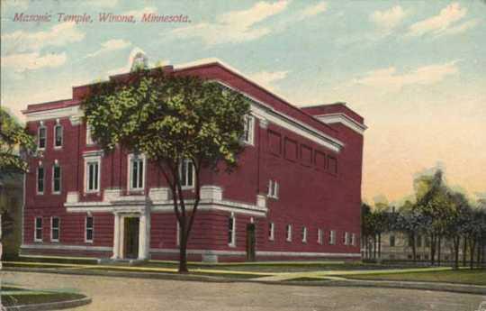 Color postcard image of the Winona Masonic Temple, 1910.