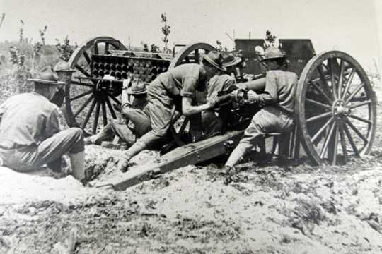 First Minnesota Field Artillery gun crew