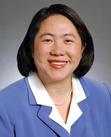 Mee Moua ca. 2003