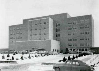 Black and white photograph of Mount Sinai Hospital, c.1950