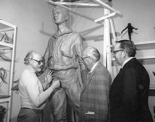 Paul Granlund with his sculpture, Russell Fridley, and Elmer L. Andersen