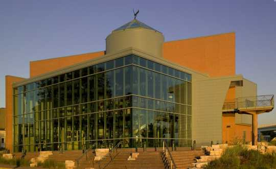 Color image of the he National Eagle Center in Wabasha, 2008.
