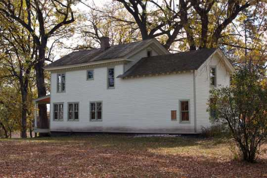Color image of the Harrington-Merrill House, 2011.