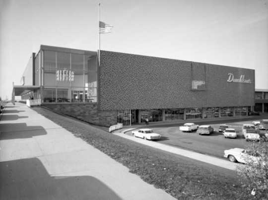 Black and white photograph of Donaldson's Southdale Mall location, 1964.