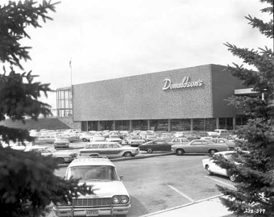 Black and white photograph of a Donaldson's store at a suburban location, 1966.