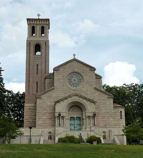 Color image of Our Lady of Victory Chapel at St. Catherine University, 2009.