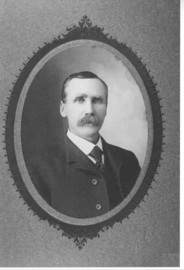 Henry G. Leathers, ca. 1900s. Photograph by Nelson Photographic Studio of Anoka. Used with the permission of Anoka County Historical Society (Object ID# P2075.14.09).