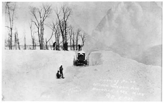 Snow removal on Highway 60 between Windom and Mountain Lake