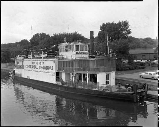 Minnesota Centennial Showboat at Stillwater levee